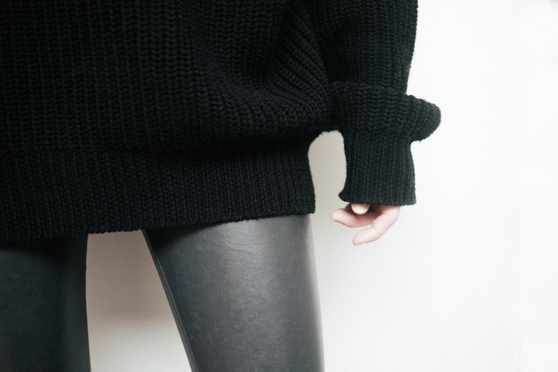 figtny.com | Aritzia Wilfred Montpellier sweater Outfit • 01
